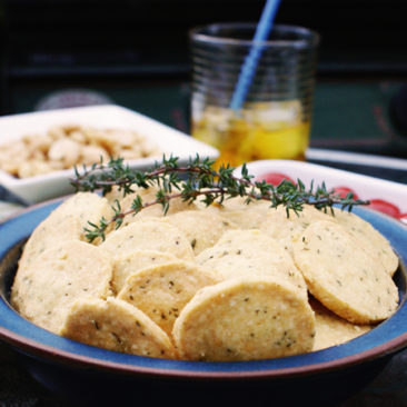 Gluten Free Cheese & Thyme Snackers