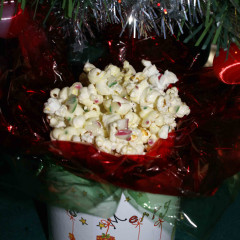 Christmas Candy Cane Popcorn
